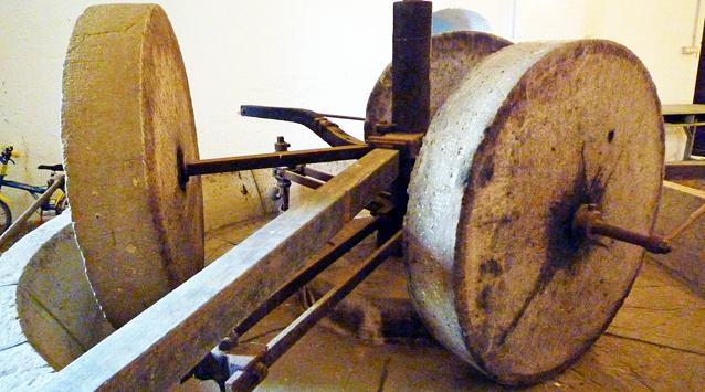17世紀に使われていたオリーブオイルを搾るための石臼