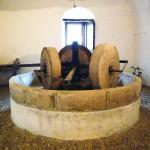 17世紀のオリーブの石臼