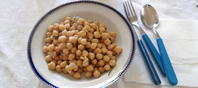 豆とオリーブオイルのお昼ごはん