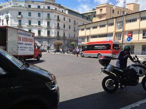 フレッチャリンクバス_サレルノ駅前