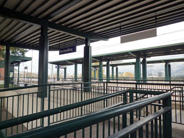 フェッランディーナ駅