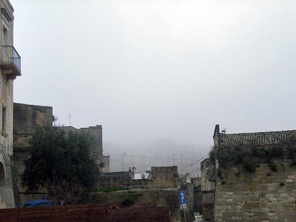 霧のマテーラ