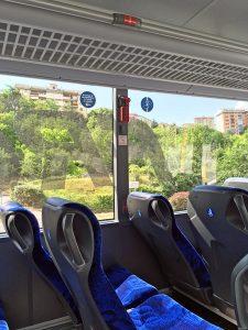 フレッチャリンクのバスの車内