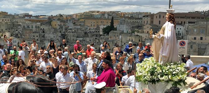 フェスタ デッラ ブルーナ ー マテーラの一番大きなお祭り