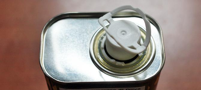 缶入りオリーブオイルのフタのツマミについて