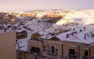 雪のマテーラ